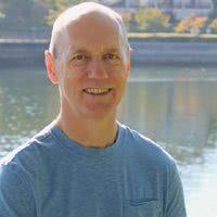 Bernie Clark, auteur en yin-yoga docent